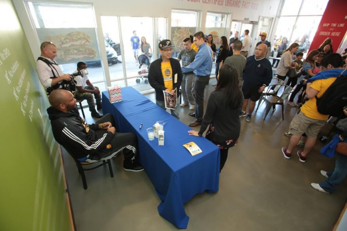 Marreese Speights meeting with fans